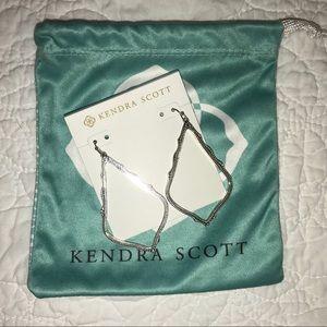 Kendra Scott Sophee drop earring in silver